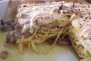 Lasagna iper ... salsiccia, funghi, uova, mozzarella e ripieno di tagliolini alla gricia