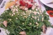 Zuccotto di Polenta estivo, con pesto di rucola, anacardi e sgombro