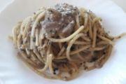 Spaghetti tonno, ceci e olive